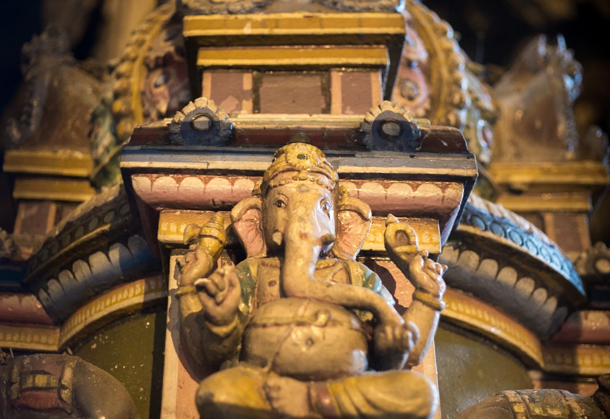 Figurine De L'histoire De Rama, Dans Les Grottes De Batu