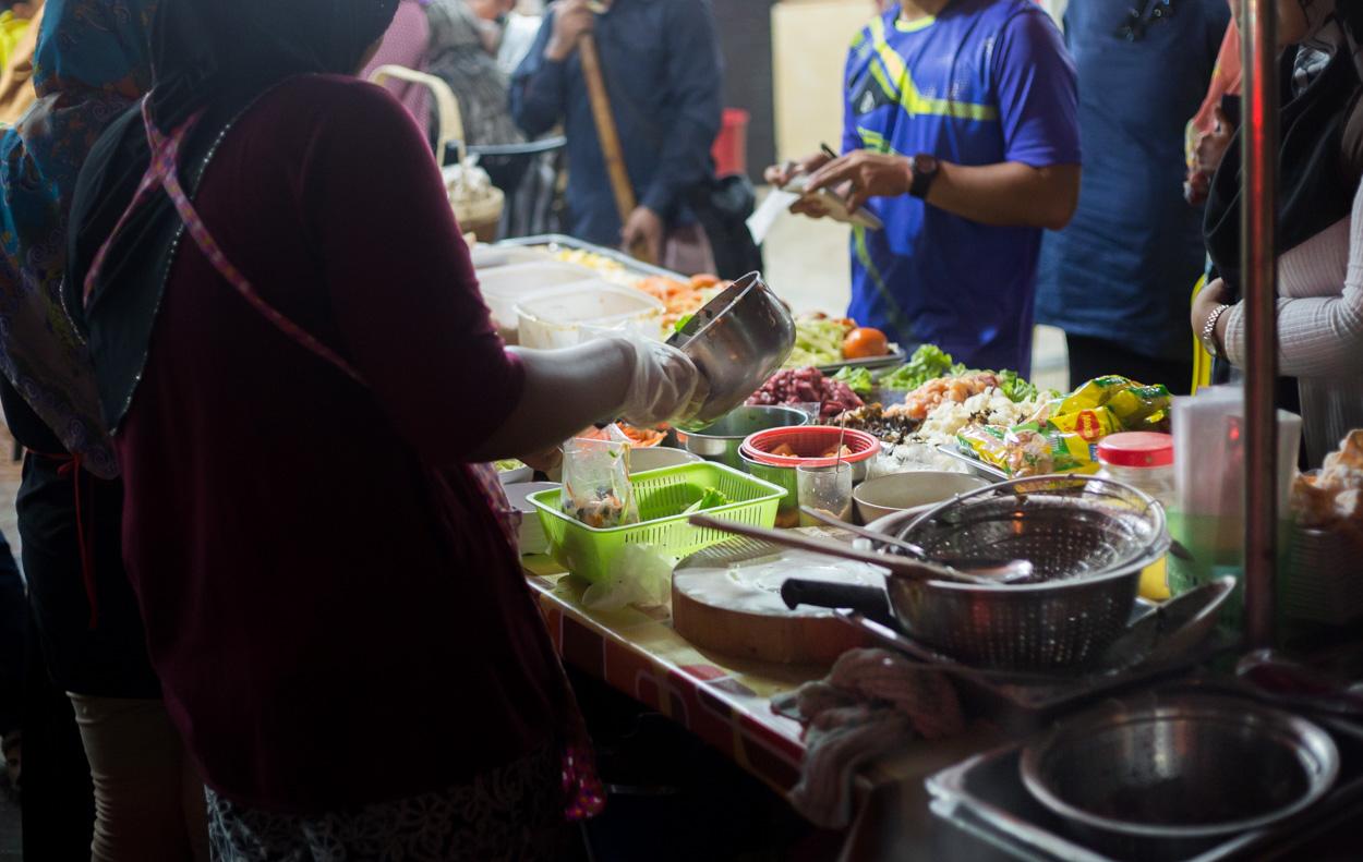 Cuisine De Rue Dans Le Quartier De Kampung Baru