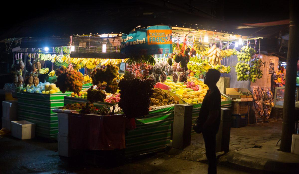 Marché De Nuit Dans Le Quartier De Kampung Baru