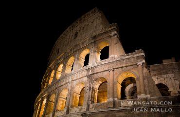 Le Colisée De Rome à La Tombée De La Nuit.