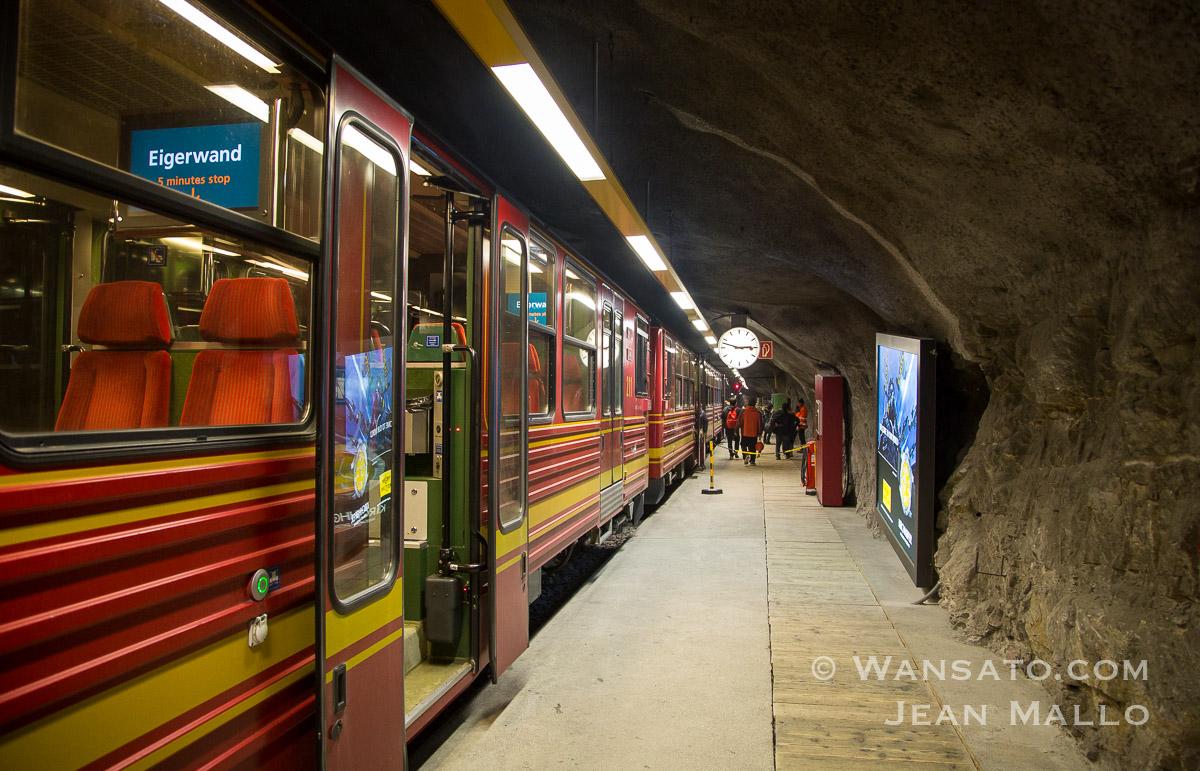 Suisse - Le Train Vers La Jungfraujoch