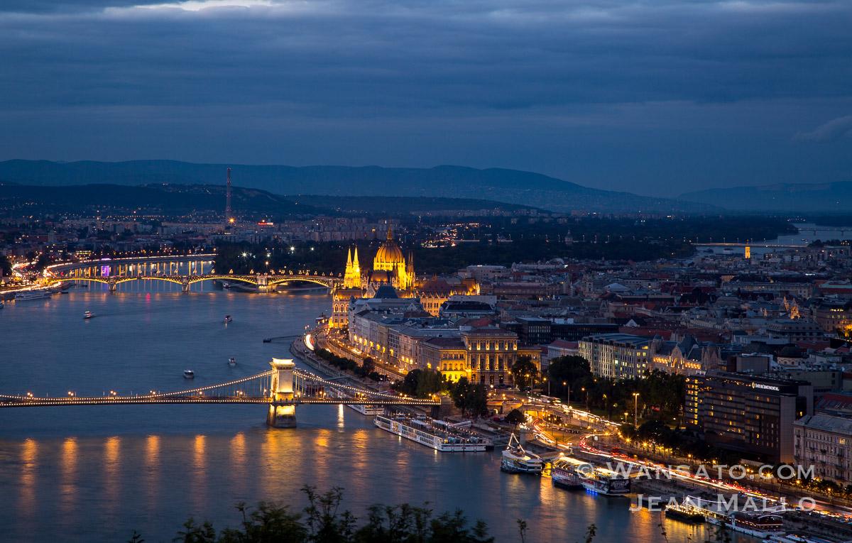 Budapest - Le Parlement Hongrois.
