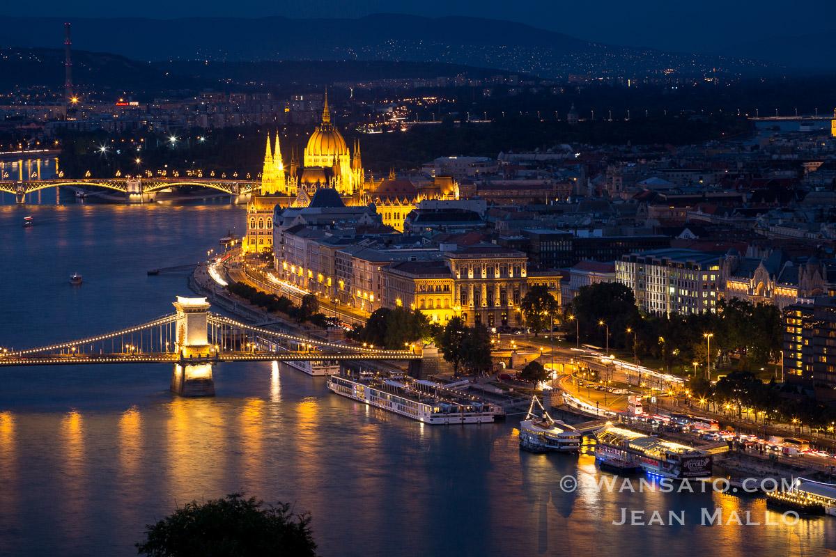 Budapest - Le Parlement Hongrois